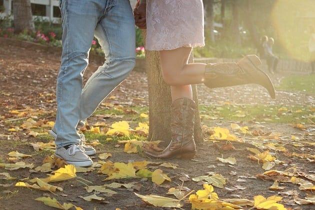 An autumnal engagement photo